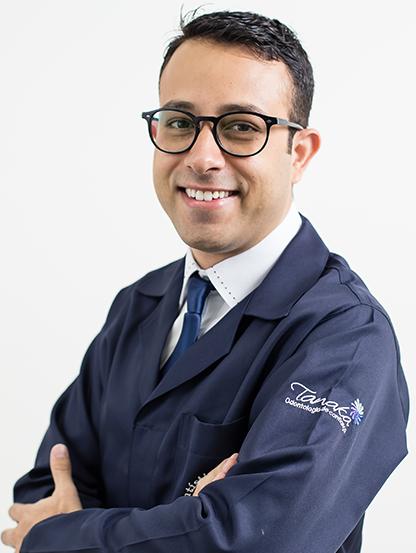 Dr. Leandro Aires Bertramelo